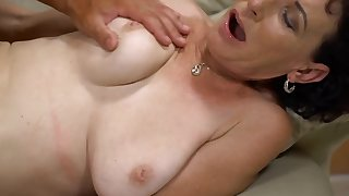 Follower groupie gives slender mature hard drilling she wanted so much