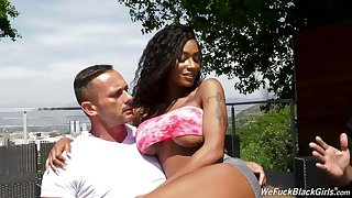 Stunning curvy beauty Sarai Minx works on two erected cocks (FMM)